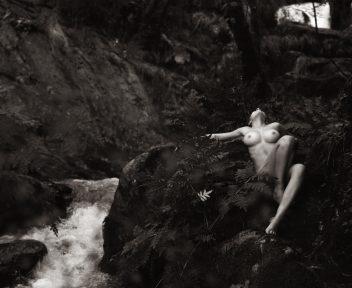 2 Nude Art